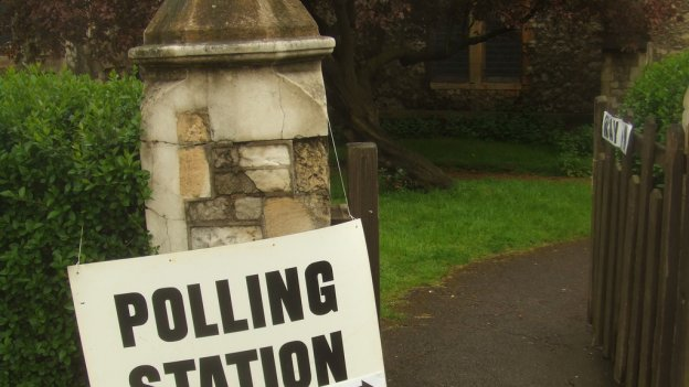 picture of polling station sign